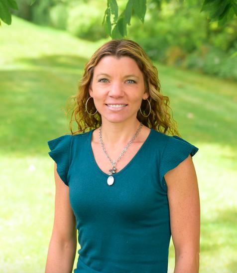 Cuyahoga Falls Veterinary Clinic - Dr. Jenn Gates - Falls Vet